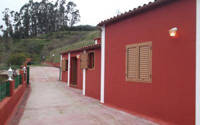 3 fincas con 3 casas en Valleseco.